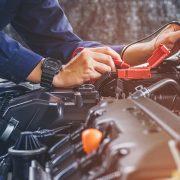 prawidłowe napięcie akumulatora samochodowego 12V