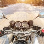 Jak przygotować akumulator motocyklowy do zimy?